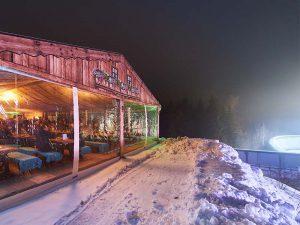 Prachtregion-Lounge_Huettenzauber-bei-Nacht